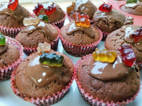 Schoko-Gummibärchen-Muffins